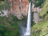 Vodopád Sipiso nja Severní Sumatře