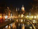 Amsterdam, kanál v noci
