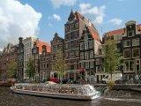Amsterdam, výletní loď na kanále