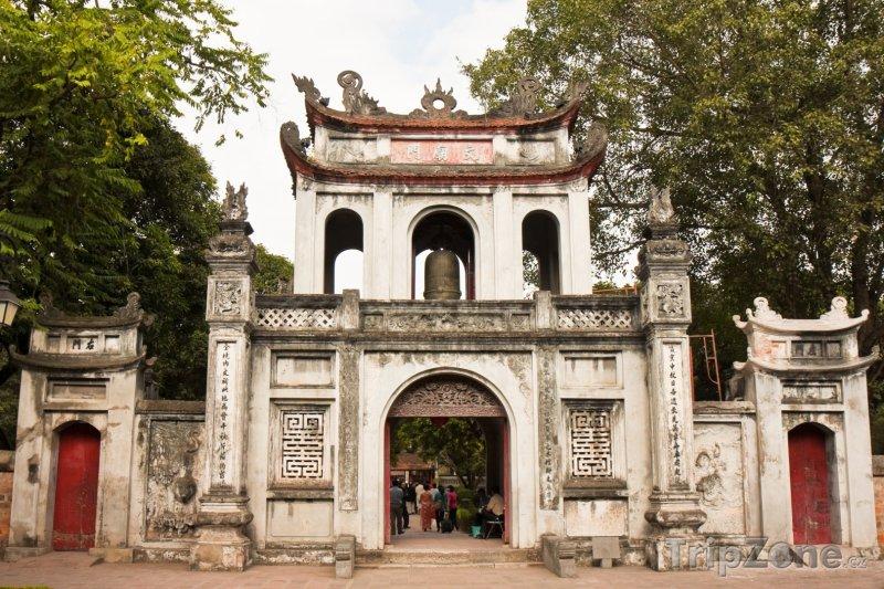 Fotka, Foto Brána do Chrámu literatury (Hanoj, Vietnam)