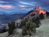 Čachtický hrad v západu slunce