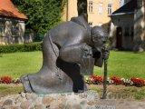 Cesis, slavná socha muže s lucernou