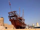 Dubaj, stará loď u pevnosti Al Fahidi