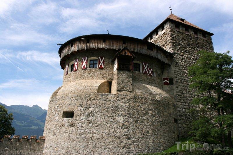 Fotka, Foto Hrad Vaduz ve stejnojmenném městě (Lichtenštejnsko)