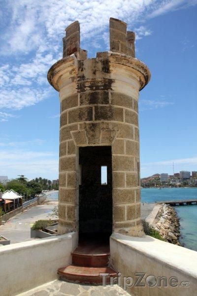 Fotka, Foto Isla de Margarita, věž na pevnosti ve městě Pampatar (Venezuela)