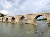 Kamenný most přes řeku Vardar