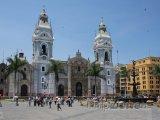 Katedrála na náměstí Plaza de Armas