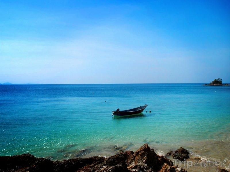 Fotka, Foto Loďka u ostrova Kapas (Malajsie)