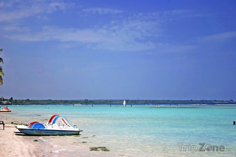 Fotka, Foto Pláž a azurové moře v Boca Chica (Dominikánská republika)