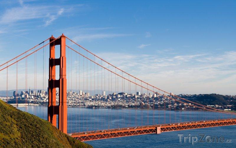Fotka, Foto Pohled na město přes Golden Gate Bridge (USA)