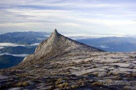 Pohled na vrchol hory Kinabalu