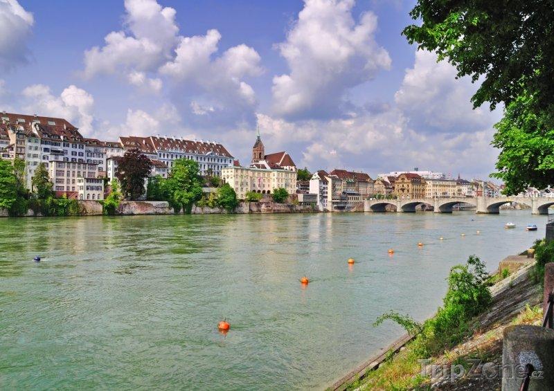 Fotka, Foto Řeka Rýn v Basileji (Švýcarsko)