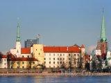 Rižský hrad na břehu řeky Daugavy