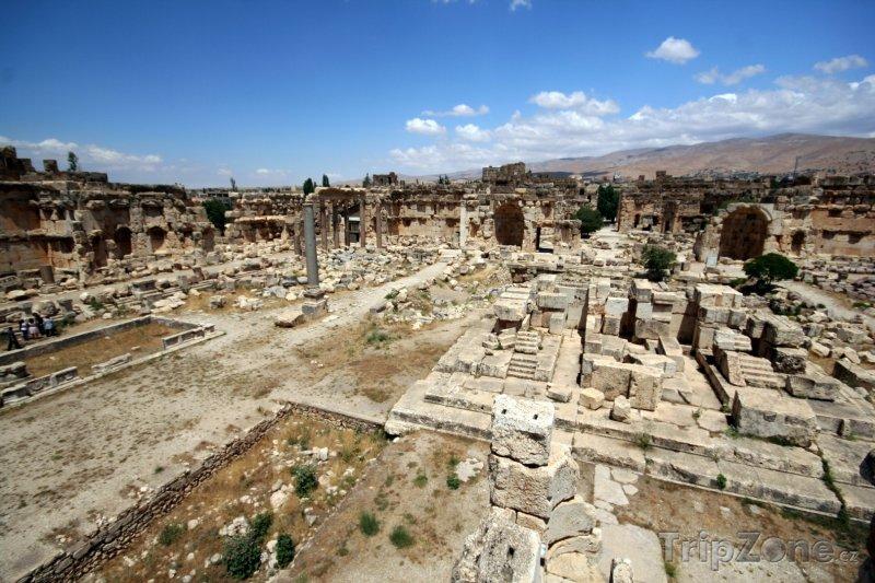 Fotka, Foto Ruiny v městečku Baalbek (Libanon)