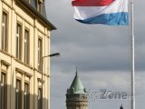 Státní vlajka u slavné banky