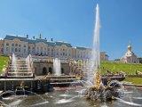 Petěrgof, palác s Velkou kaskádou
