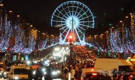 Vánoční výzdoba na Champs Elysées