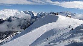 Vrcholek horského masivu Grand Massif