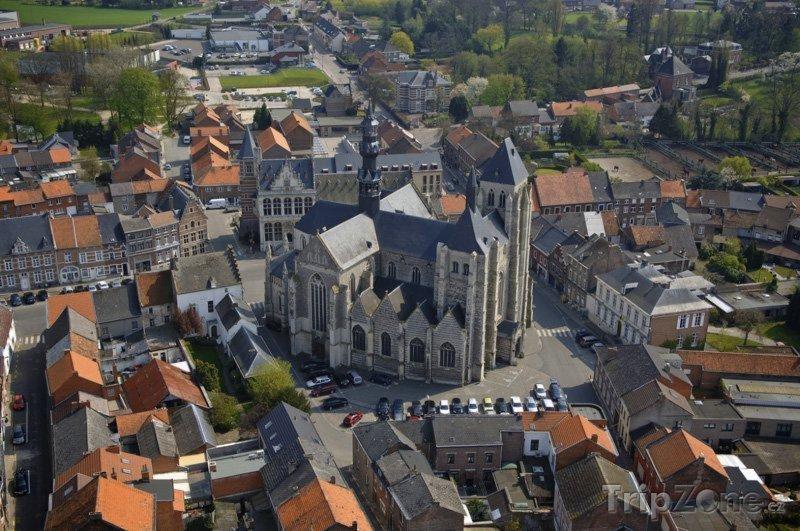 Fotka, Foto Zoutleew, kostel svatého Leonarda
