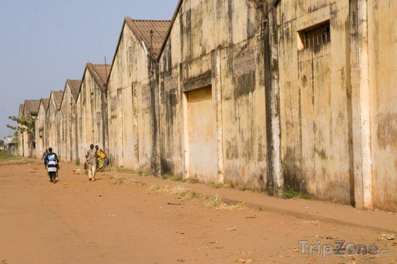 Fotka, Foto Bissau, průmyslová zóna