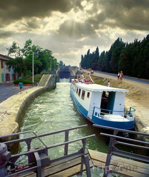 Fotka, Foto Canal du Midi, od roku 1996 zapsán na seznamu UNESCO (Francie)