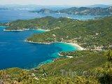 Elba, pohled na letoviska Biodola a Procchio