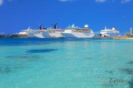 Key West, výletní lodě v přístavu