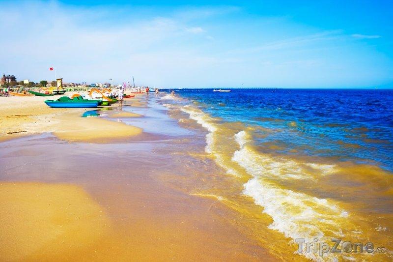 Fotka, Foto Pláž v oblíbeném turistickém letovisku Rimini (Itálie)