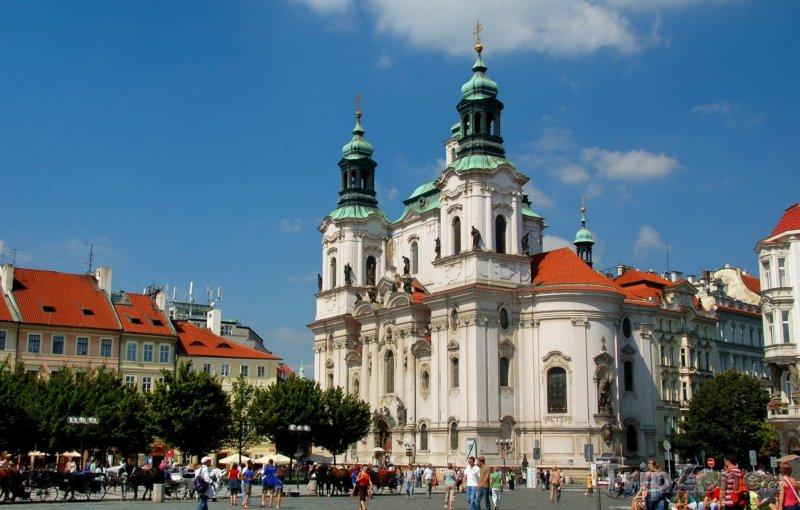 Fotka, Foto Staroměstské náměstí, kostel svatého Mikuláše (Praha, Česká republika)