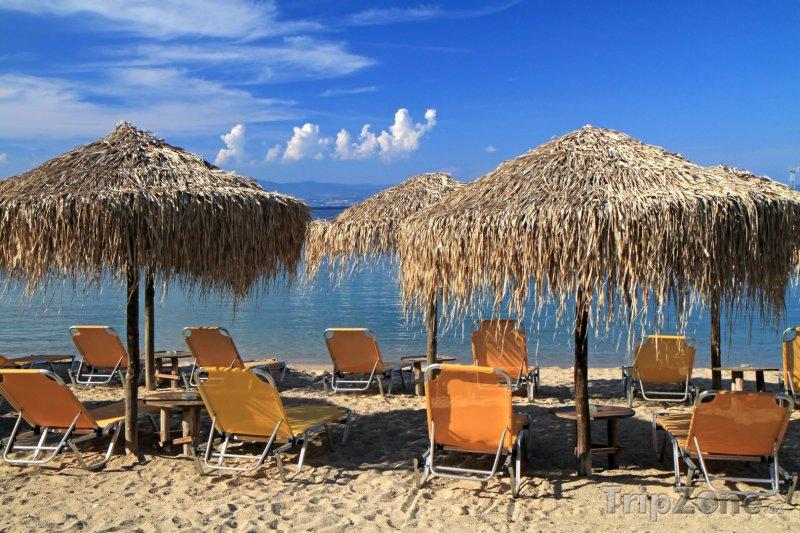 Fotka, Foto Tigaki, slunečníky na pláži (Řecko)