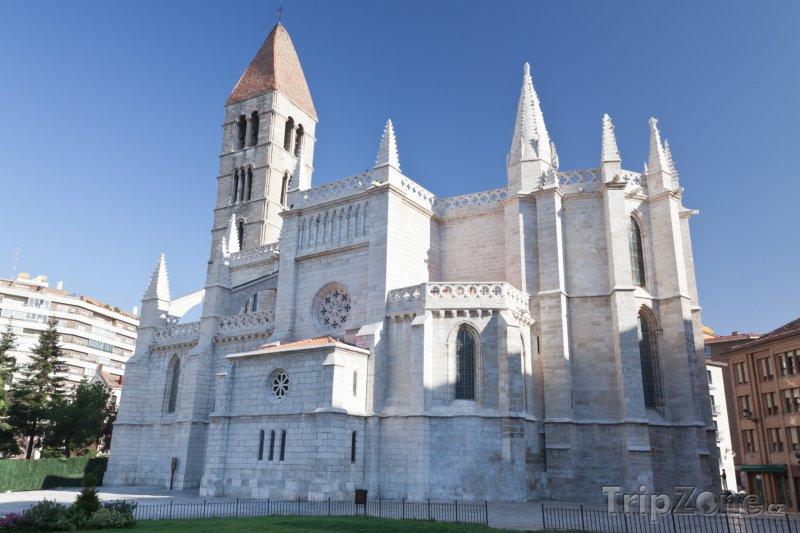 Fotka, Foto Valladolid, kostel Santa Maria de la Antigua (Španělsko)