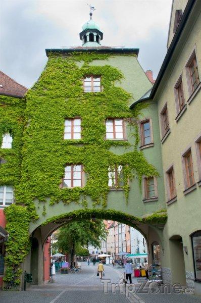 Fotka, Foto Weiden in der Oberpfalz, průchod na náměstí (Německo)
