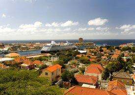 Willemstad, výletní loď v přístavu