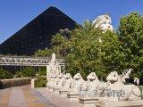 Casino a Hotel Luxor, domov kouzelníka Crisse Angela