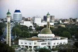 Chartúm - mešita a hotel Corinthia