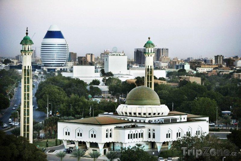 Fotka, Foto Chartúm - mešita a hotel Corinthia