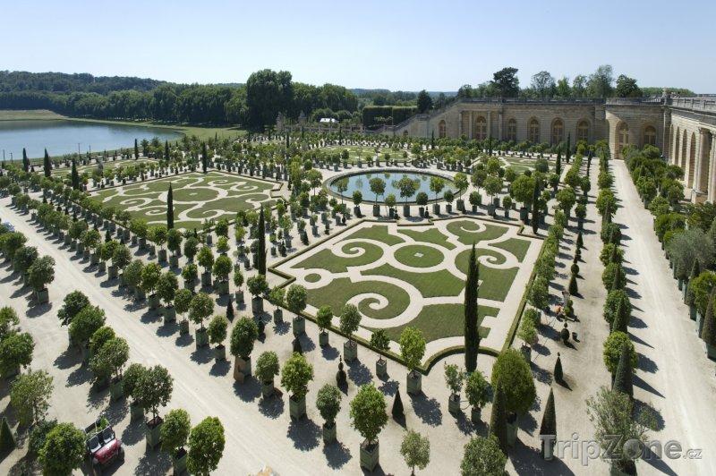 Fotka, Foto Královská zahrada ve Versailles (Paříž, Francie)