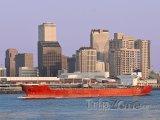 Nákladní loď na řece Mississippi