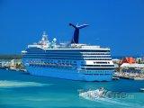 Výletní loď v přístavu