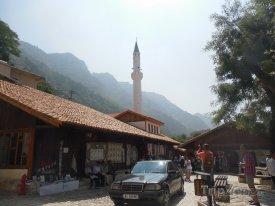 Albánci milují auta značky Mercedes