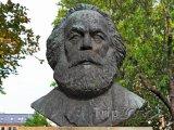 Číňany zajímá v Londýně jen hrob Marxe, pak míří do Prady