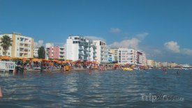 Durrës, moderní hotely na pláži