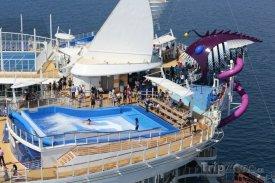 Harmony of the Seas - bazén s protiproudem