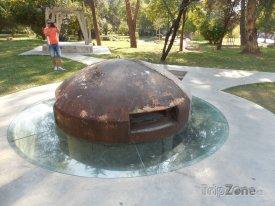 Hodža miloval obrané bunkry, nechal jich postavit 800 tisíc