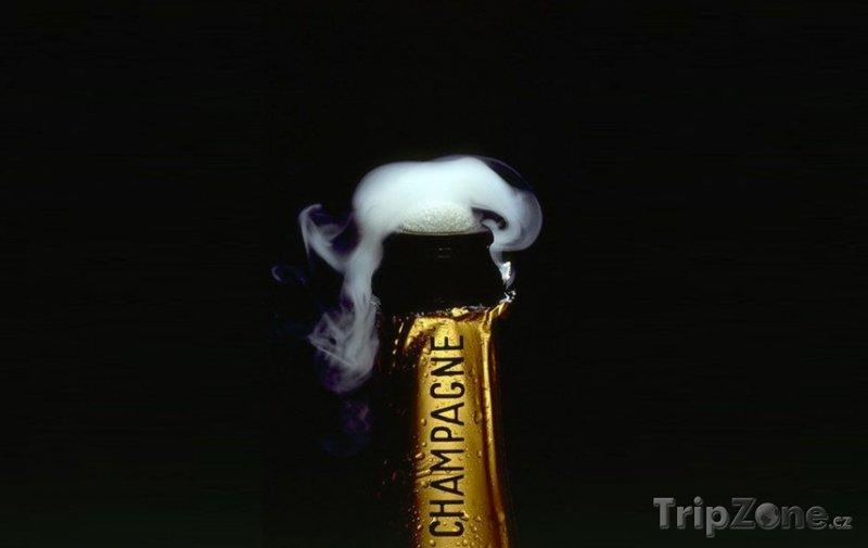 Fotka, Foto Láhev pravého Champagne