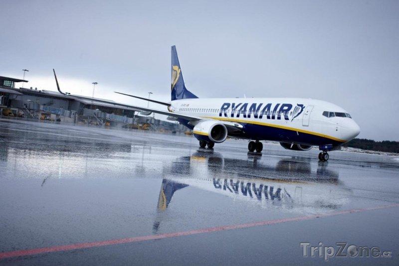 Fotka, Foto Letadlo aerolinek Ryanair, foto: ryanair.com