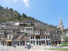 Město Berat, přezdívané také jako Město tisíce oken
