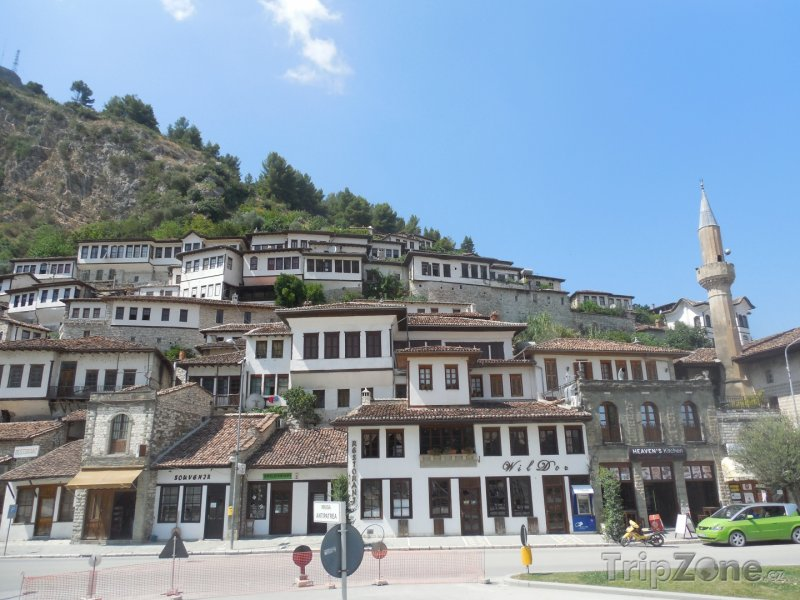 Fotka, Foto Město Berat, přezdívané také jako Město tisíce oken