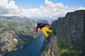 Nejlepší světové destinace pro adrenalinové sporty