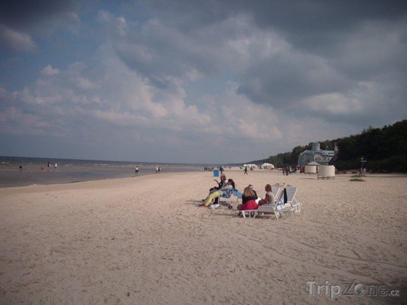 Fotka, Foto Nekonečná 32 kilometrů dlouhá pláž v Jurmale